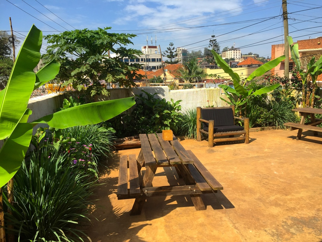 Fat Cat Backpackers Review | Kampala | Wade and Sarah